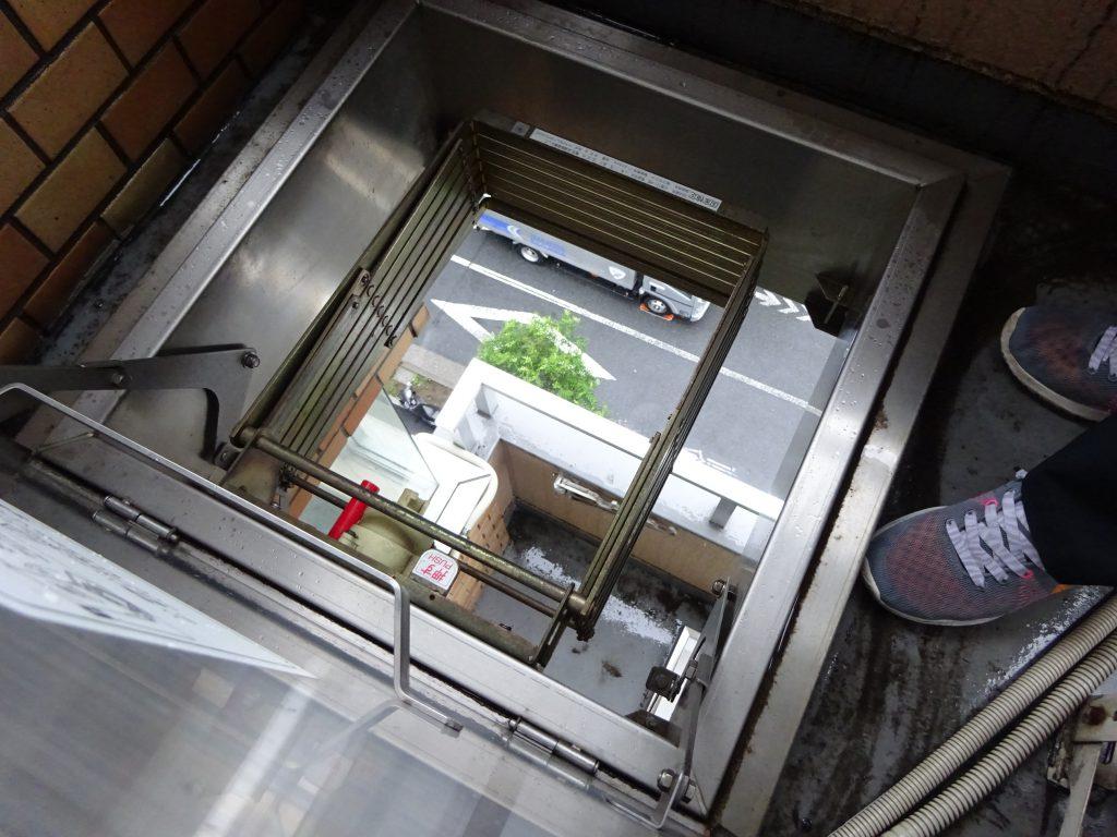 アクトビル避難はしご