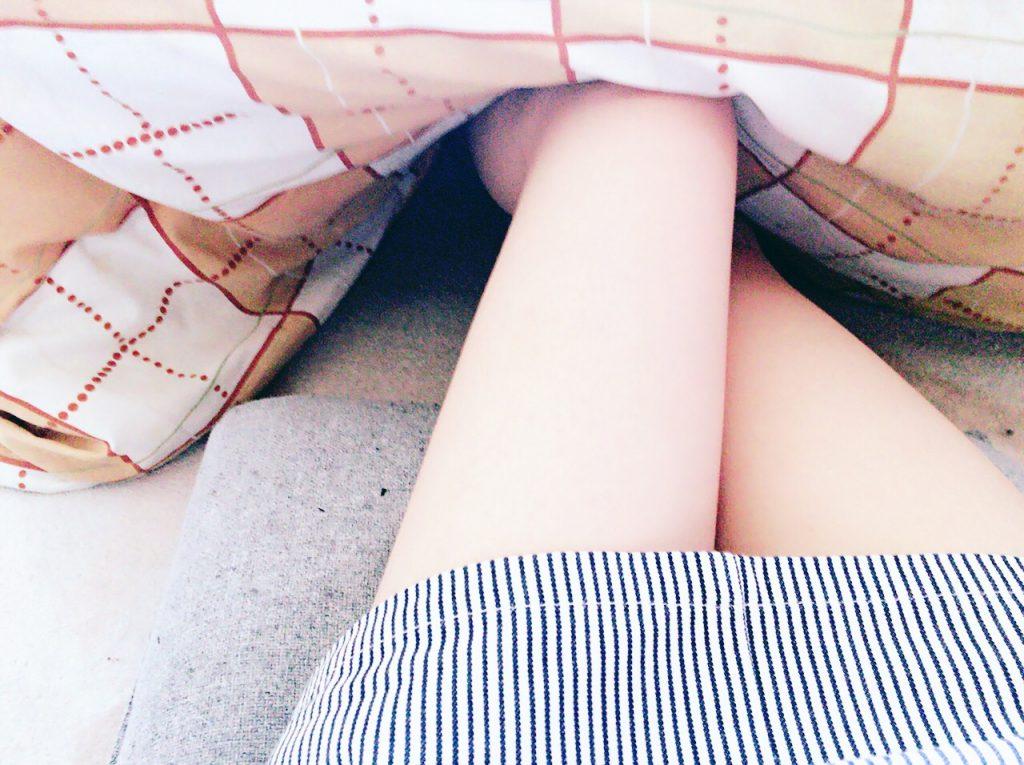 色っぽい 足 ネットキャバ嬢